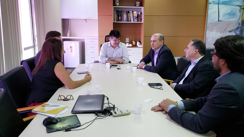 Seplag e Red Hat debatem transformação digital no Governo do Ceará